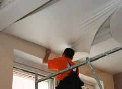 Монтаж натяжных потолков — на каком этапе ремонта его лучше проводить?