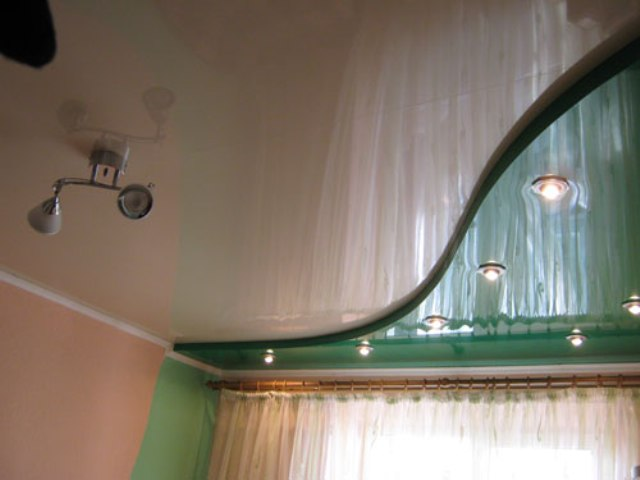 Дизайн двухуровневых натяжных потолков