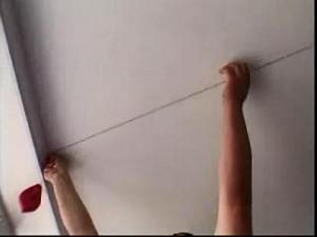 Наклеить флизелиновые обои своими руками видео