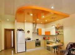 Можно ли устанавливать натяжные потолки на кухне, каковы их преимущества и недостатки?