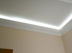 Какие бывают потолочные плинтуса для натяжных потолков?
