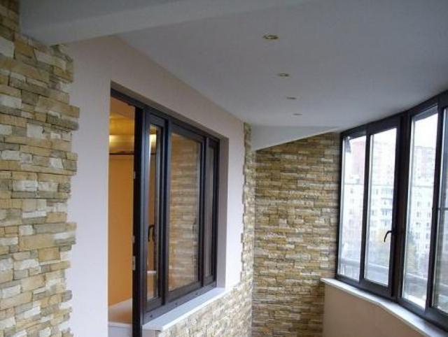 Отделка потолка на балконе - фото различных вариантов