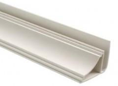 Что собой представляет пластиковый потолочный плинтус и когда его применяют?