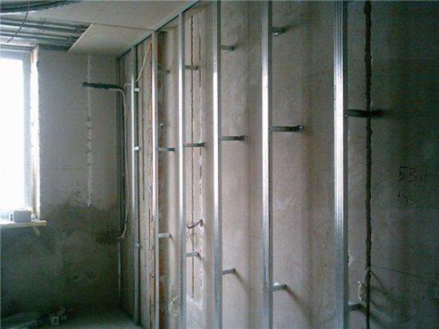 Делаем обрешетку на стены и потолок под гипсокартон