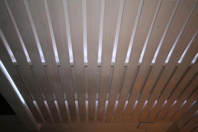 Монтаж реечного потолка киев