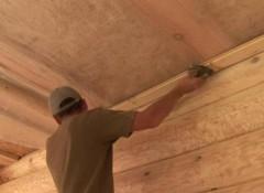 Как обшить потолок деревянной вагонкой?