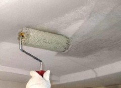 Как и чем грунтовать потолок перед покраской?