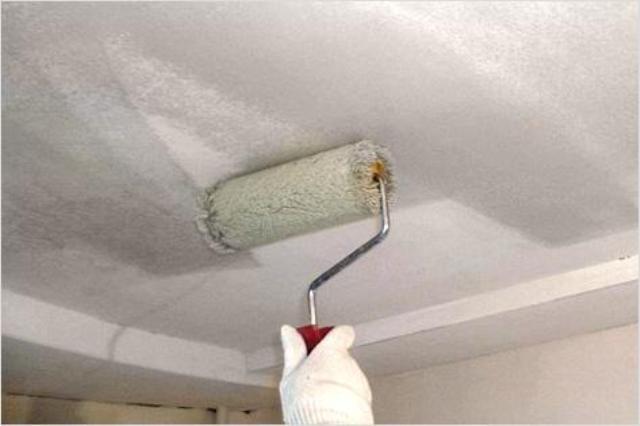 Белим потолок  видео 103