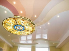 Особенности освещения натяжных потолков