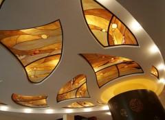 Что собой представляют витражные потолки?