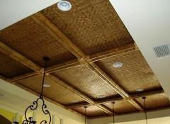 Что представляет собой потолок из бамбука?