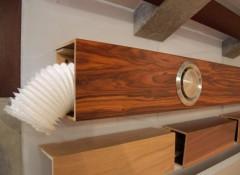 Что собой представляет и как смонтировать декоративный брус для потолка?