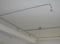 Проводка и натяжной потолок — на что следует обратить внимание?