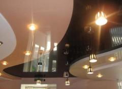 Различные варианты комбинированных потолков