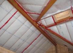 Какой материал лучше выбрать для пароизоляции потолка в частном доме?