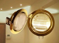 Как выбрать потолочные светильники для потолка из ПВХ-панелей?