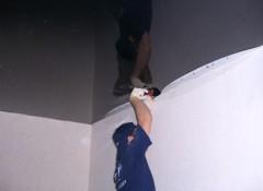 Применение в хрущевках натяжных потолков