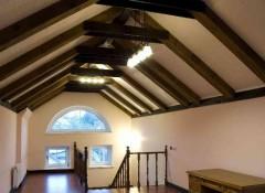 Потолок на мансарде — из чего его можно сделать своими руками?