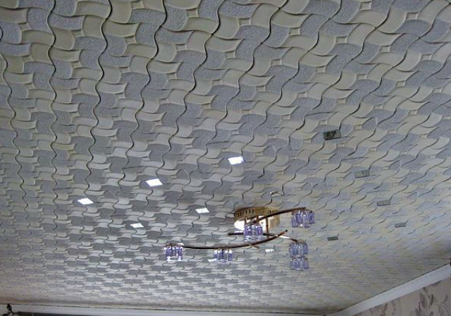 из пенопластовых плиток фото потолок
