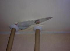 Что делать, если порвался натяжной потолок?