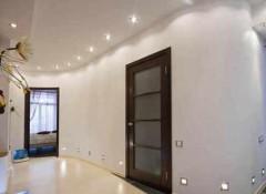 Как правильно выбрать светильники в коридор под натяжные потолки?