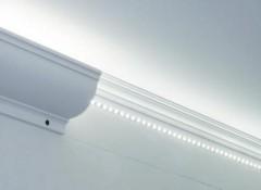Необходимые комплектующие и монтаж закарнизной подсветки потолка