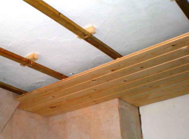 Из чего сделать потолок на даче своими руками 83