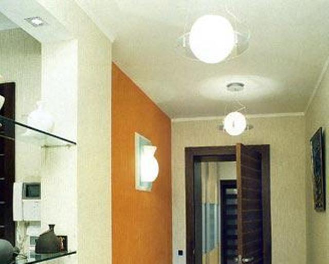 Дизайн потолка коридора в квартирах - различные варианты решения, фото