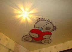 Различные варианты натяжных потолков с рисунком для детской