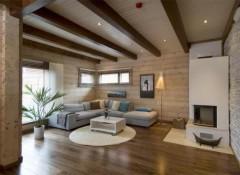 Различные варианты отделки потолка в деревянном доме