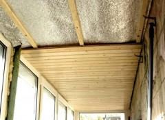 Как на балконе утеплить потолок?