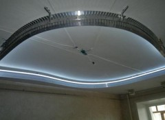 Особенности монтажа потолков с закругленными формами