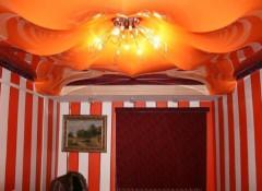 Разновидности и особенности монтажа фигурных натяжных потолоков