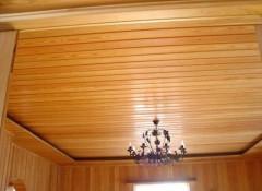 Как своими руками сделать потолок в деревянном доме?