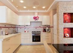 Варианты применения на кухне навесных потолков