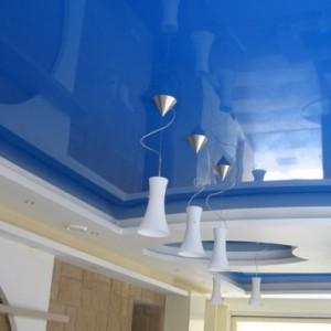Какой материал для натяжного потолка лучше выбрать?