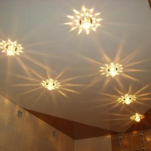 Лампочки для натяжных потолков - какие лучше выбрать, как их лучше