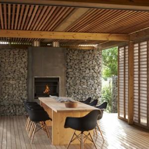 Какой материал выбрать для потолка на террасе?