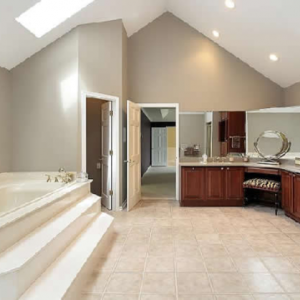 Варианты оформления ванной со скошенным потолком
