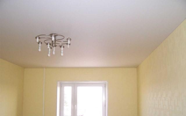 Как дешево и красиво сделать потолки