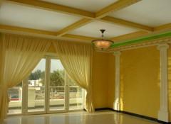 Преимущества и особенности применения натяжных потолков в загородном доме