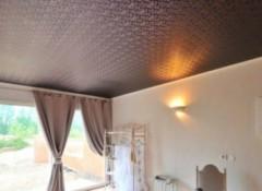 Преимущества и недостатки шелковых натяжных потолков
