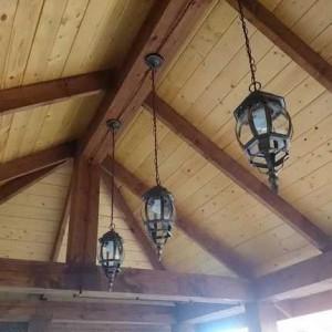 Потолок в беседке — чем подшить?