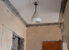 Основные варианты ремонта потолка в сталинке