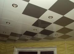 Особенности, плюсы и минусы модульных потолков