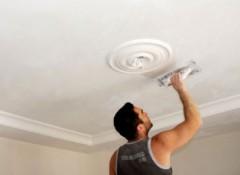 Штукатурка потолка — в чем ее недостатки?