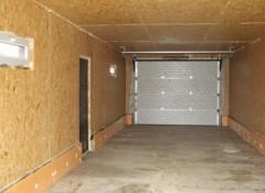 Преимущества и порядок монтажа потолока в гараже из осп