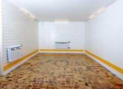 Преимущества и недостатки пластиковых потолков в гараже