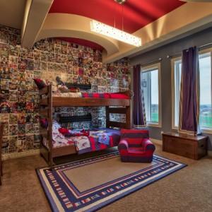 Комната мальчика-подростка — какой сделать потолок