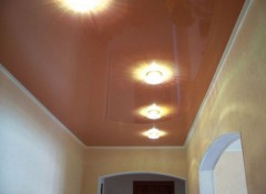 Различные варианты светильников для натяжного потолка в прихожую